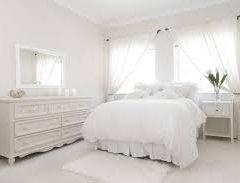 Біла спальня