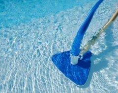Очищення басейну: найбільш популярні препарати