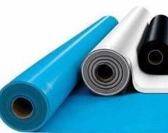 Гідроізоляційна плівка для покрівлі: особливості вибору та монтажу