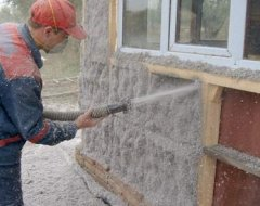 Утеплення будинку ековатою: способи та особливості теплоізоляції