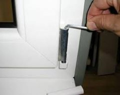Регулювання пластикових вікон самостійно : інструкція