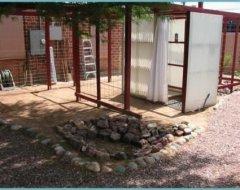 Душова кабіна для дачі з дерева, цегли або полікарбонату