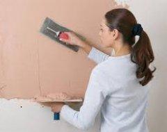 Як правильно шпаклювати стіни під фарбування і шпалери
