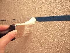 Як пофарбувати стіну рельєфну