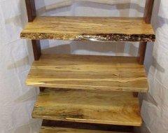 Меблі своїми руками: дерев'яна етажерка в рустикальному стилі