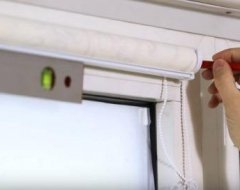 Встановлення рулонних штор на пластикові вікна